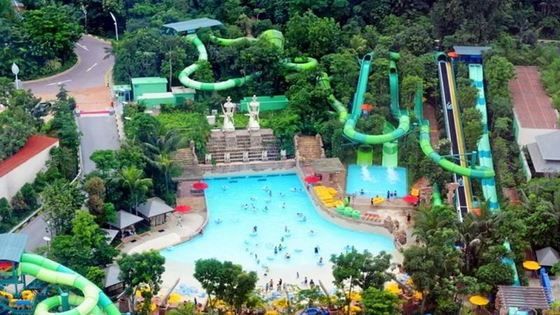 Adventure Cove Waterpark Singapore
